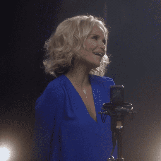 "Kristin Chenoweth and Idina Menzel Singing ""For Good"" 2016"