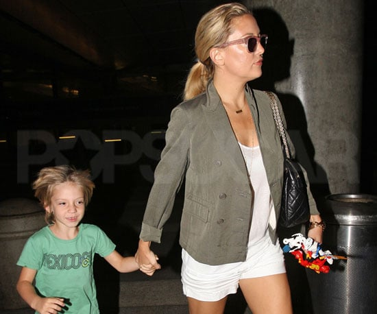 Slide Picture of Kate Hudson and Ryder Robinson Arriving Into LAX