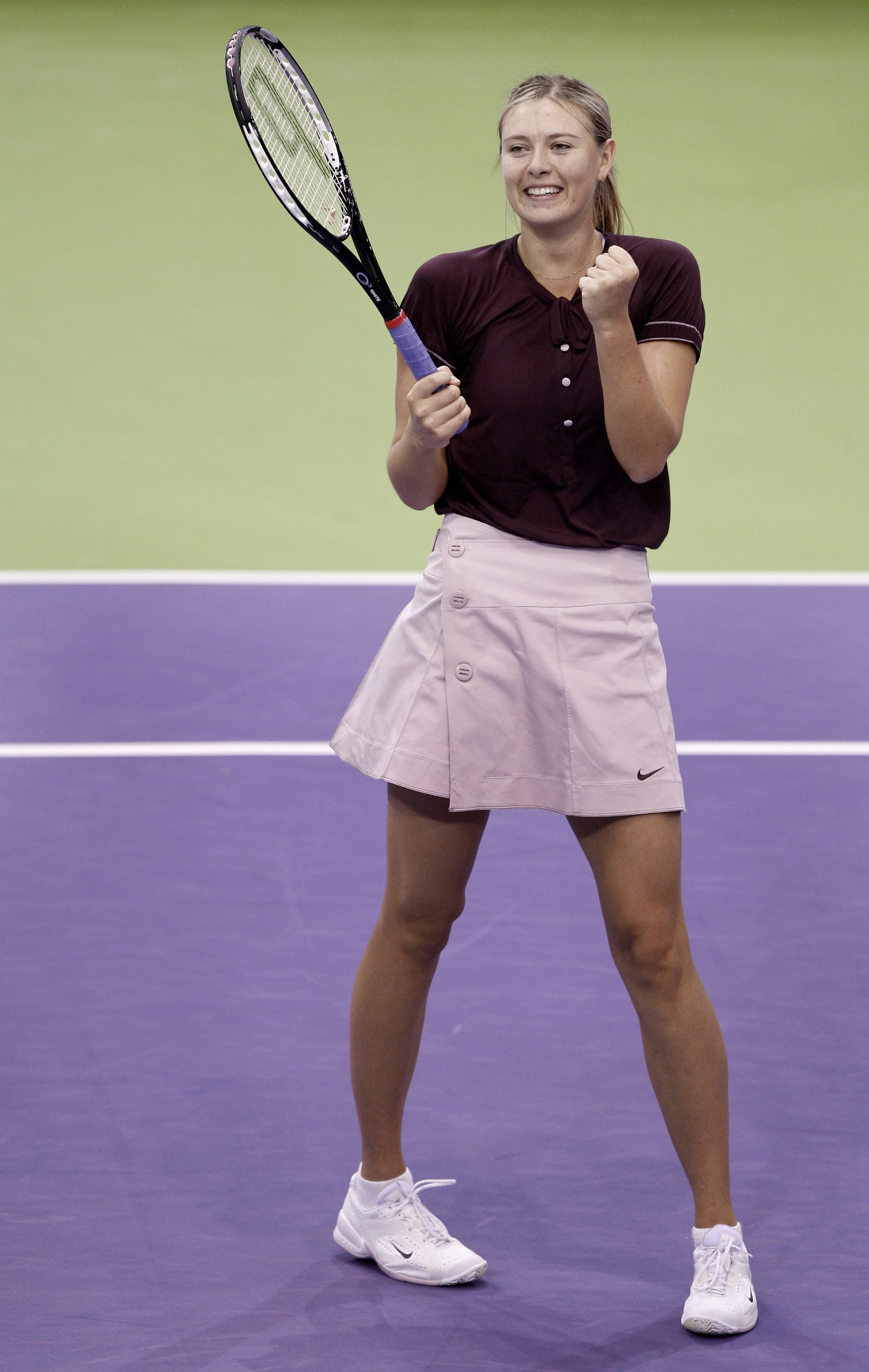 Tennis icon Maria Sharapova did it again with her school uniform inspired tennis outfit for the 2007 WTA Tour Championships.