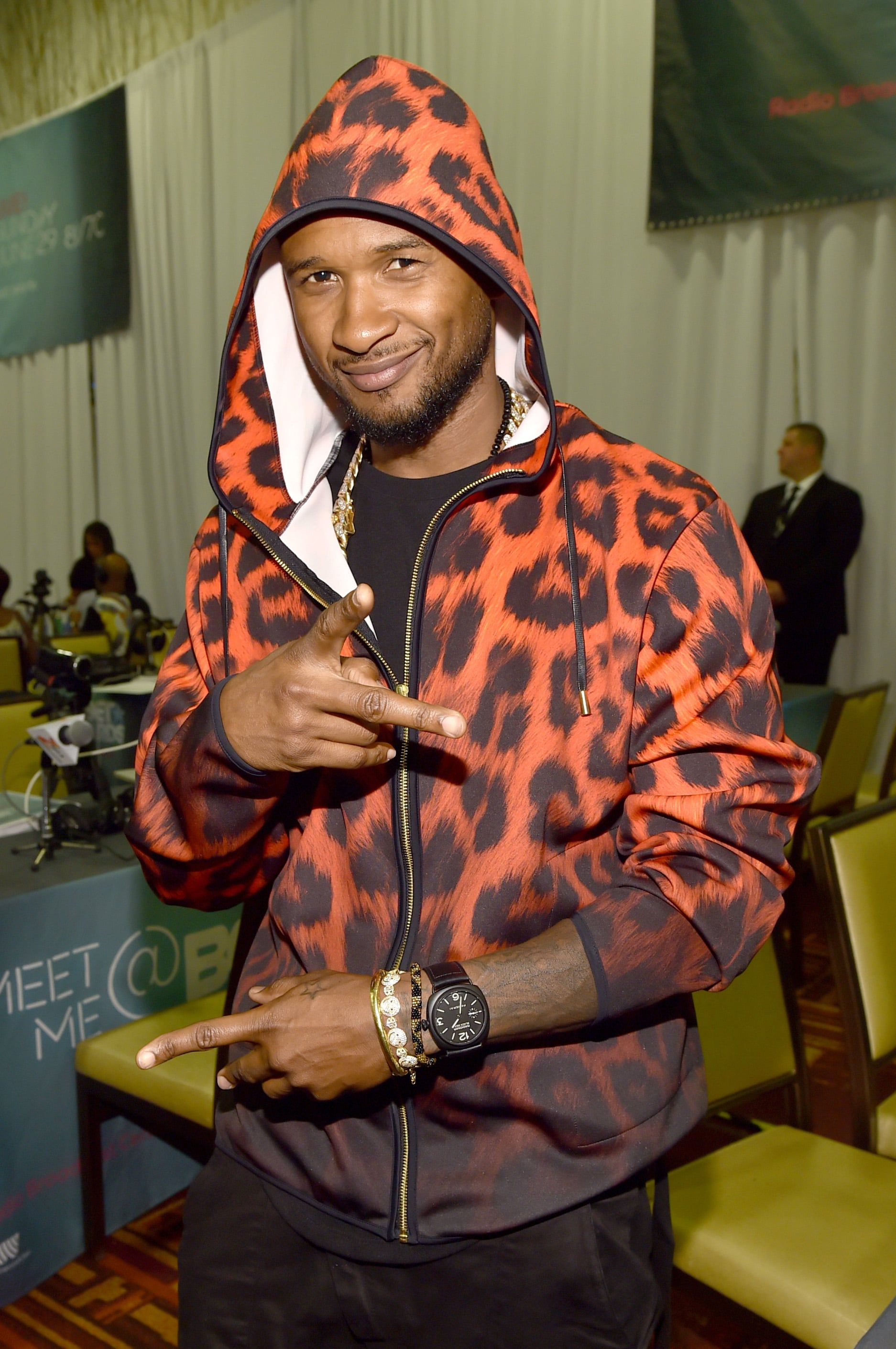 Usher hung out at a pre-BET Awards event in LA on Saturday.