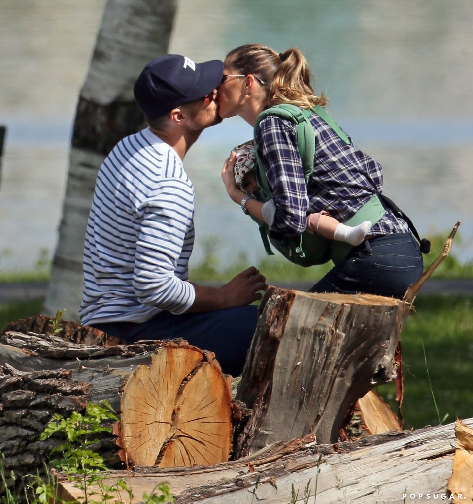 Tom Brady and Gisele Bündchen kissed during a day at the park with their kids.