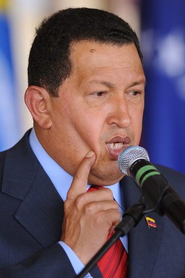 Hugo Chavez Invites Fidel Castro To Join Twitter