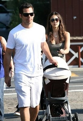 Jessica and Cash Take Honor For a Stroll