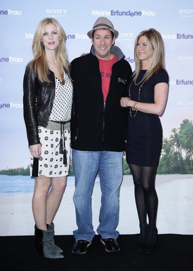Pictures of Jennfier Aniston, Brooklyn Decker, Adam Sandler at Just Go With It Berlin Photocall