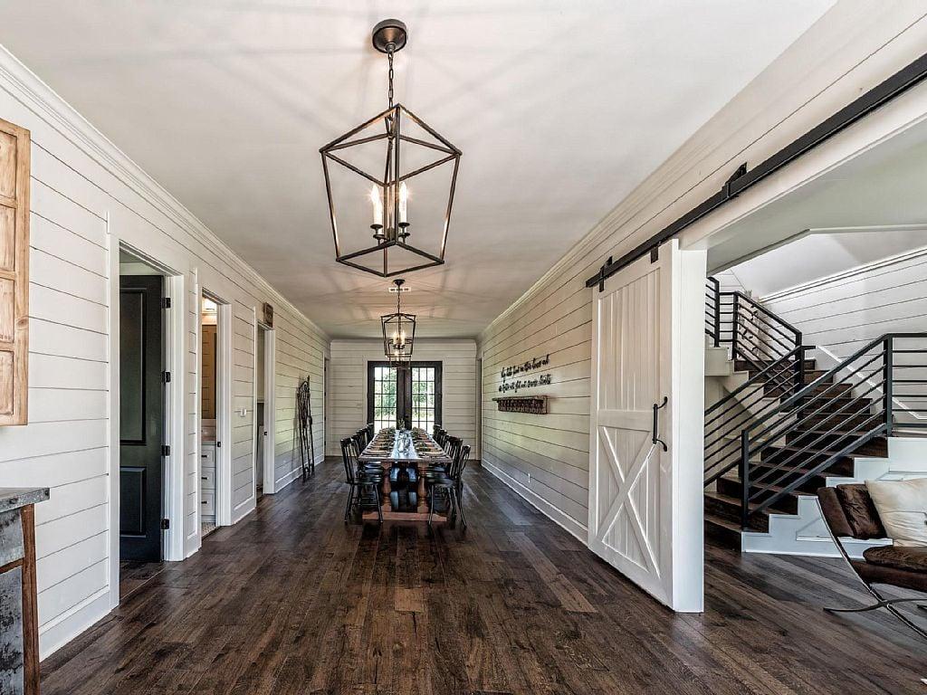 fixer upper barndominium vacation rental popsugar home. Black Bedroom Furniture Sets. Home Design Ideas