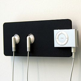 iPod Holder Keeps Your Teeny Shuffle Up Where You Can See It