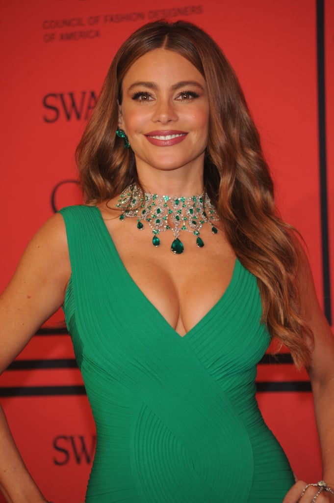 Volume is always the key to Sofia Vergara's red carpet beauty, and her waves were the perfect frame to her striking emerald necklace.
