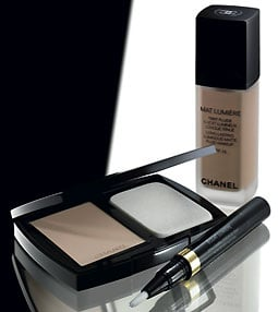 Product Review:  Chanel Mat Lumière Foundation