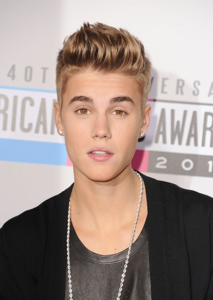 Justin Bieber posed at the American Music Awards.