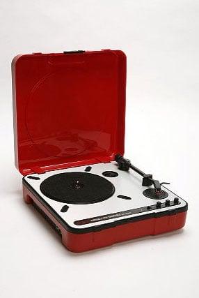 USB Record Player Turns Vinyl Into MP3s
