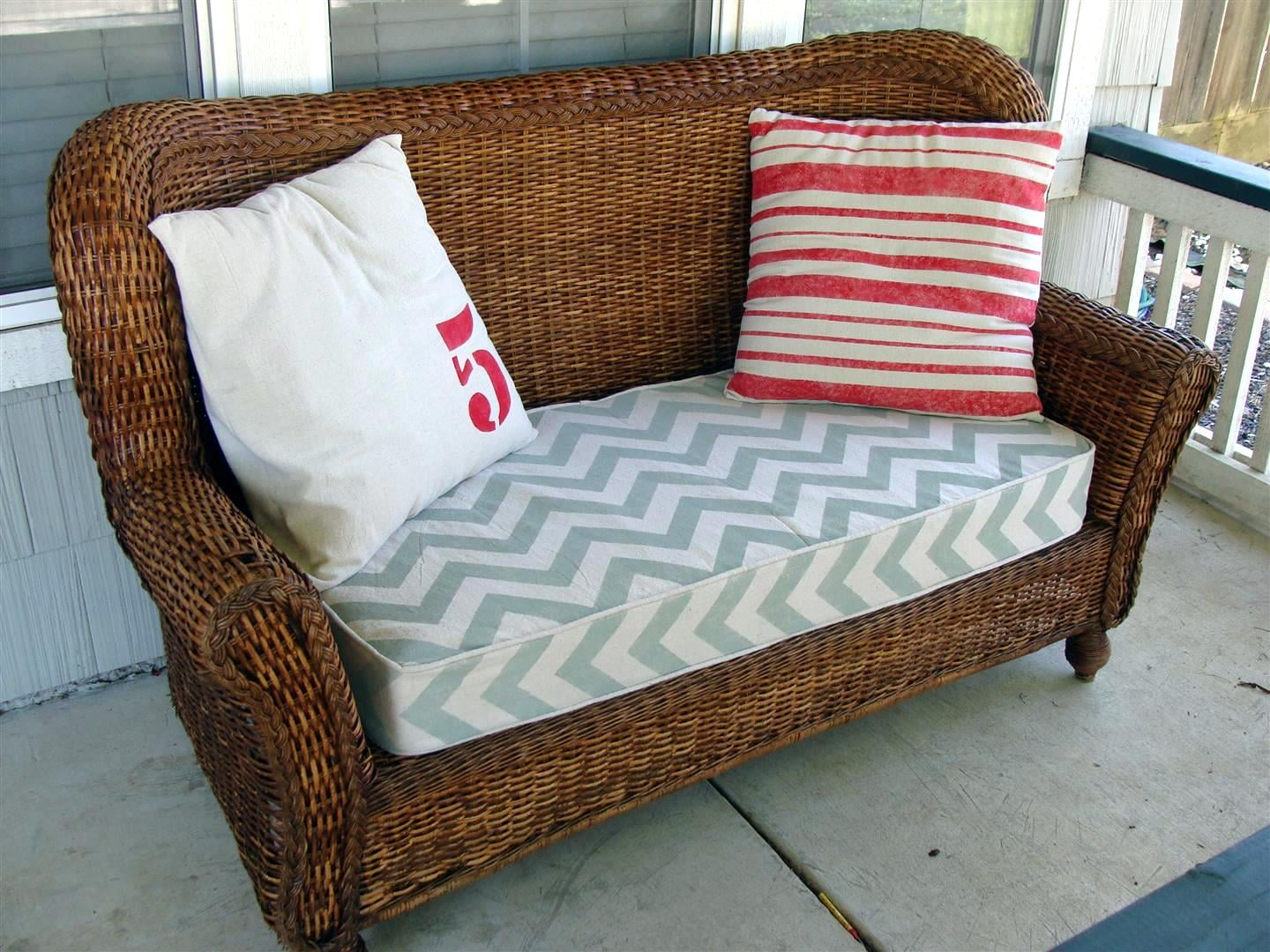 Upcycle Your Crib Mattress Into a Wicker Love Seat