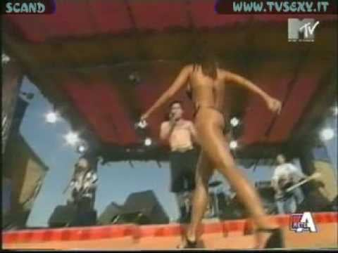 2000: Carmen Electra solidifies her spot as the unofficial queen of MTV Spring Break.