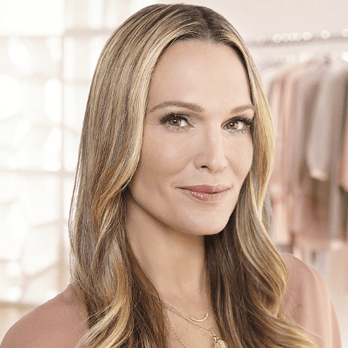 Molly Sims Red Hair Color Change With Aura Friedman