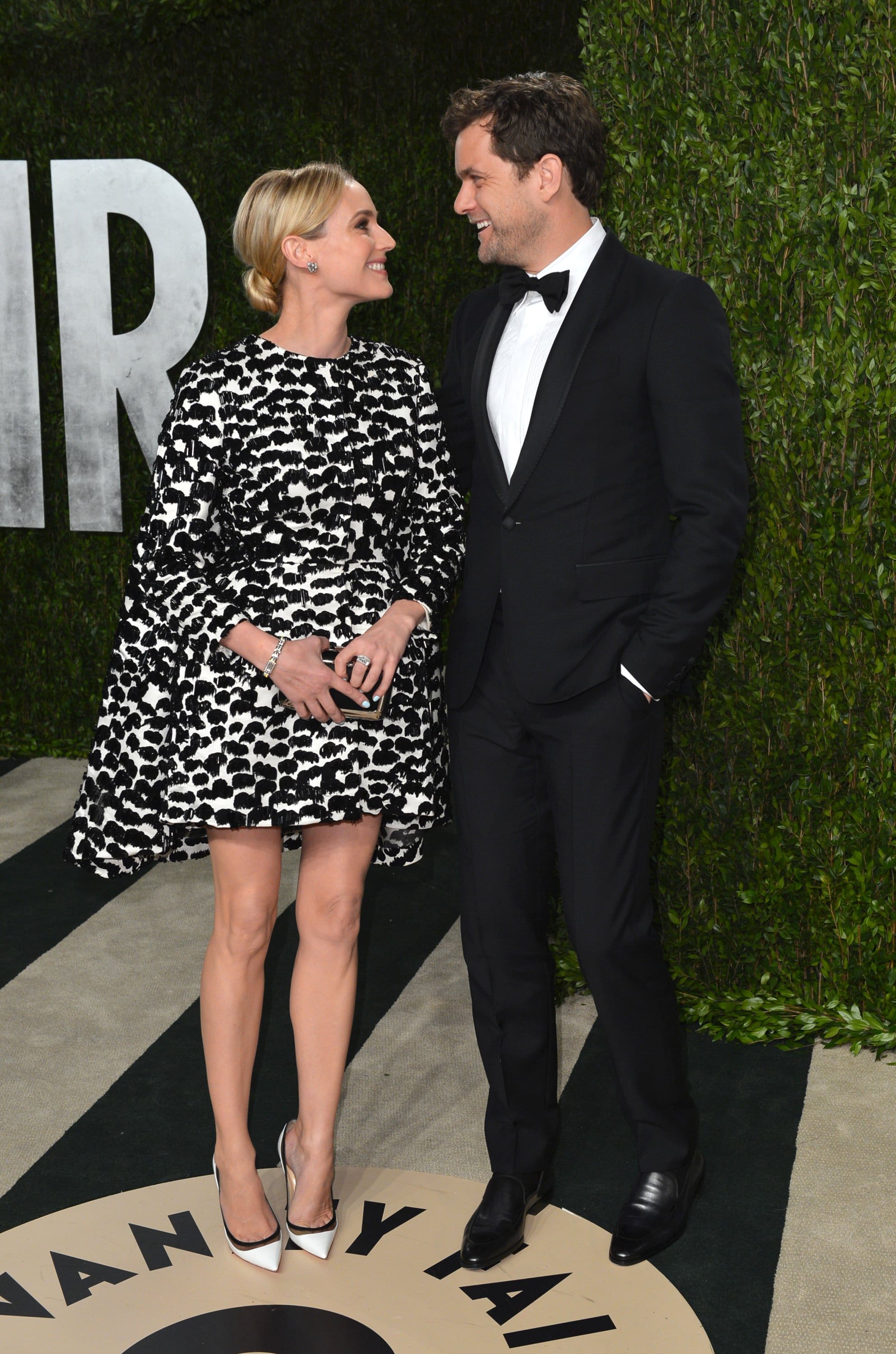 Diane Kruger and Joshua Jackson shared a loving look as they arrived at the Vanity Fair Oscar party on Sunday night.