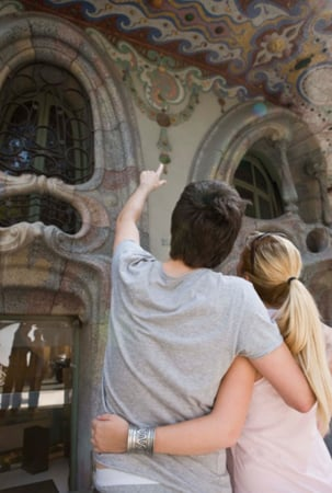 Take a City Walking Tour to Burn Calories and Sightsee