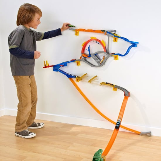Hot Wheels Wall Tracks Review