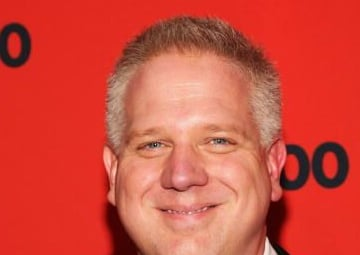 "Glenn Beck Not Running With ""Chick"" Sarah Palin"