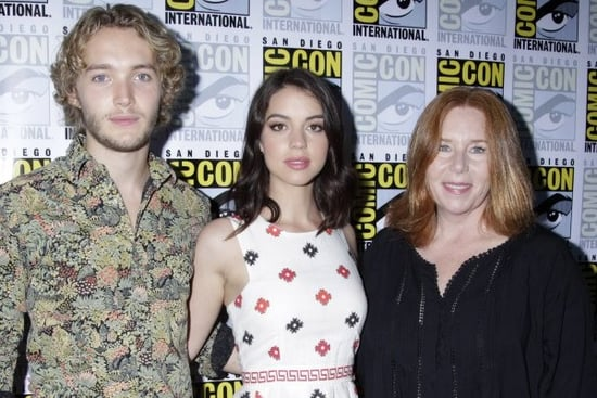 'Reign' Interview: Adelaide Kane, Toby Regbo and EP Laurie McCarthy on Season 2's Plague, Baby, Politics and More!