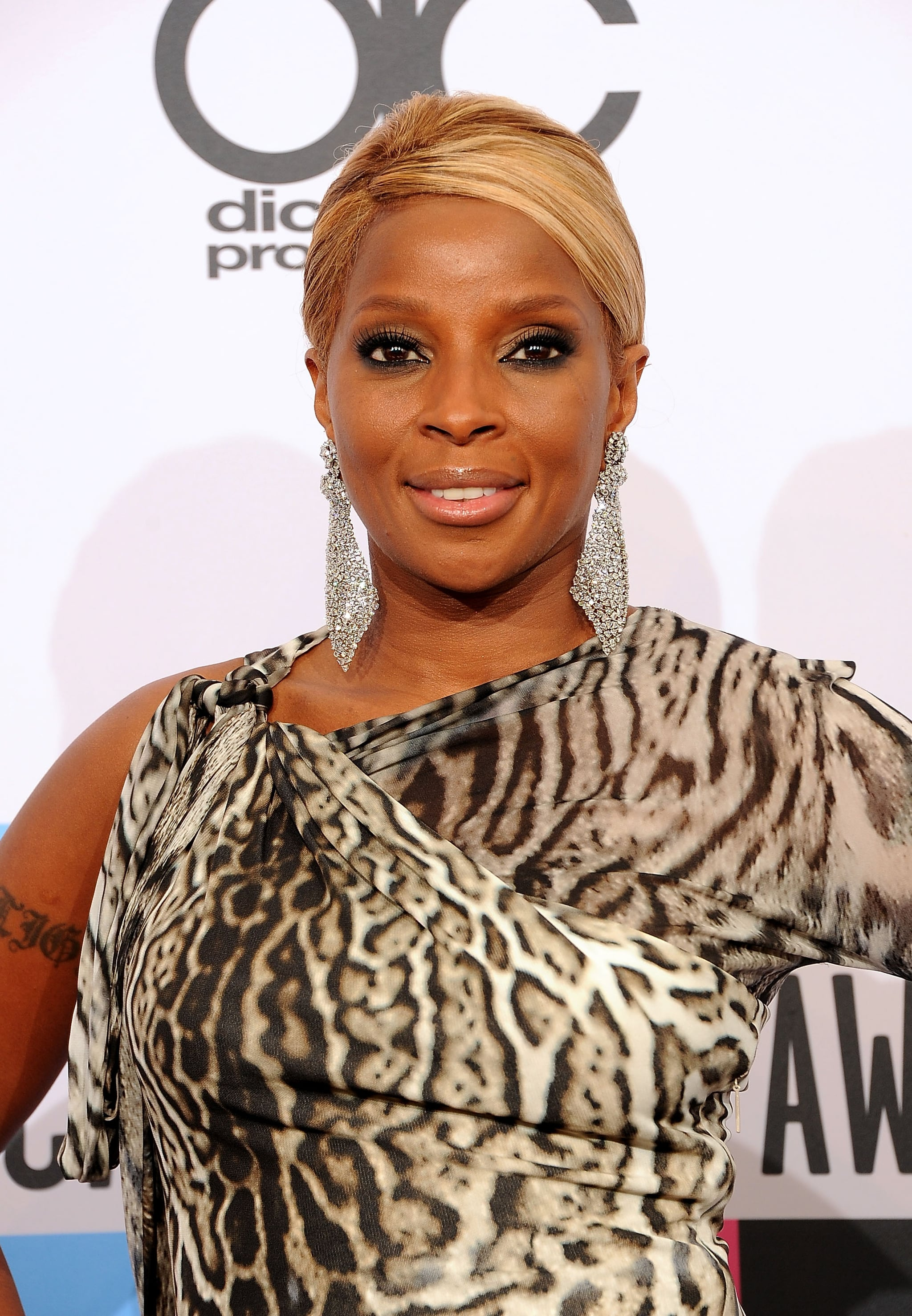 Mary J. Blige smiled for the cameras.