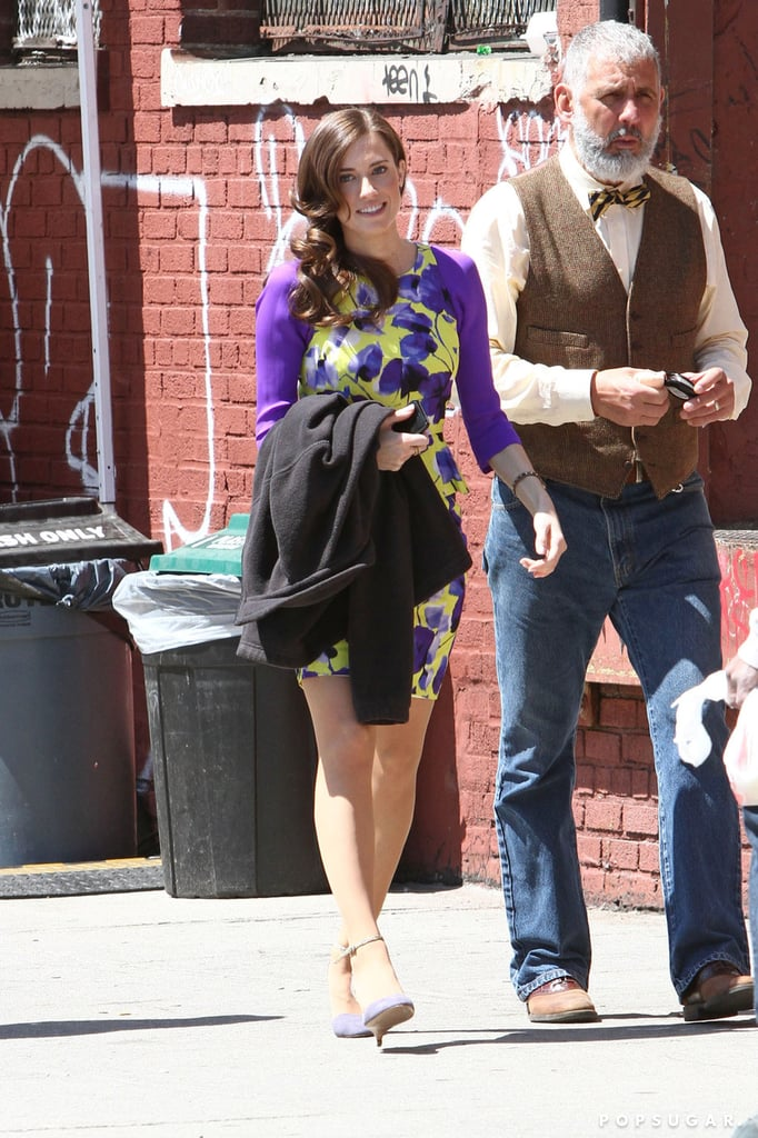 Lena Dunham and Allison Williams Get in Girl Time on Set