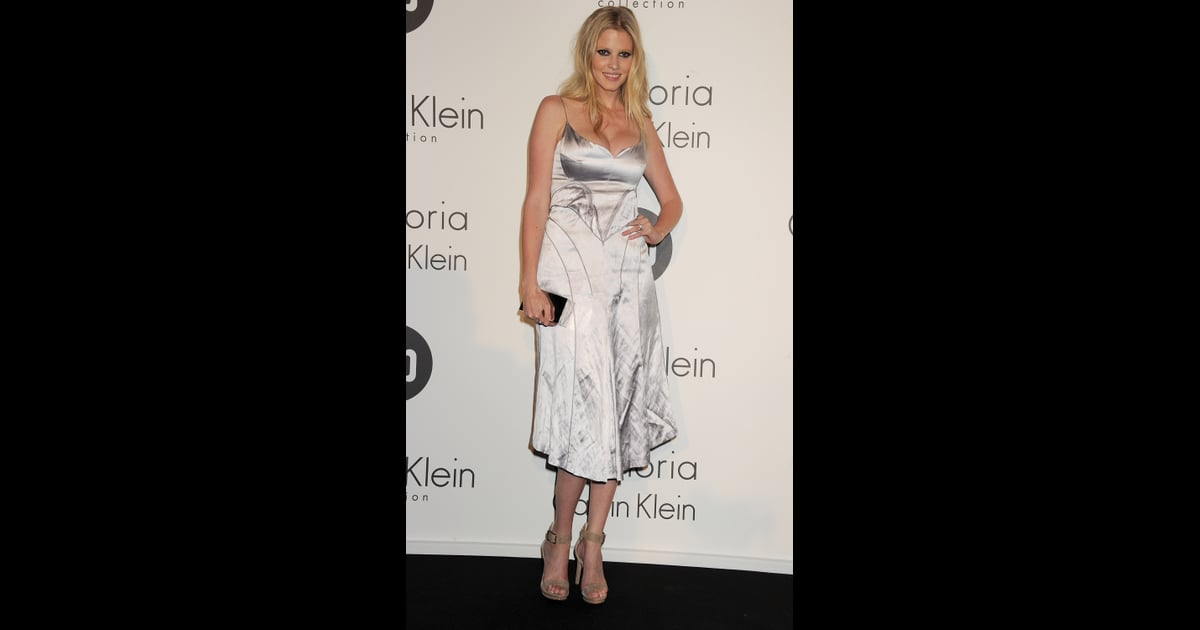 lara stone calvin klein dress - photo #16