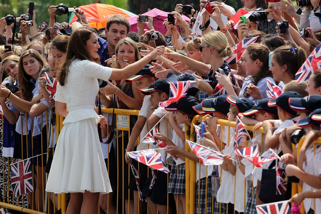 Kate Middleton greeted her fans in Singapore.