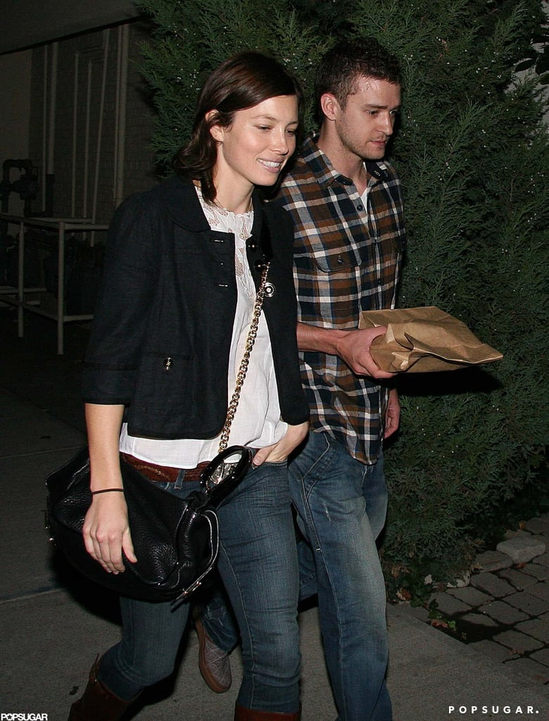 Justin and Jessica grabbed dinner in Toronto during an October 2007 visit.