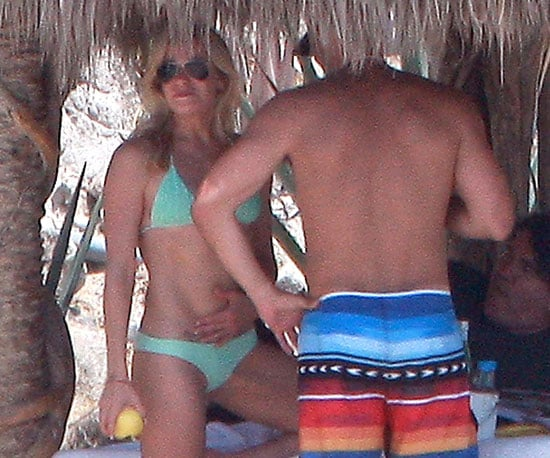 Slide Picture of LeAnn Rimes in a Bikini