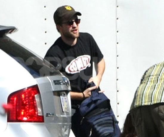 Slide Picture of Robert Pattinson on Breaking Dawn Set in Louisiana