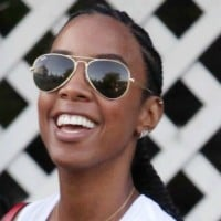 Don't have stretch marks? Here's how Kelly Rowland really feels