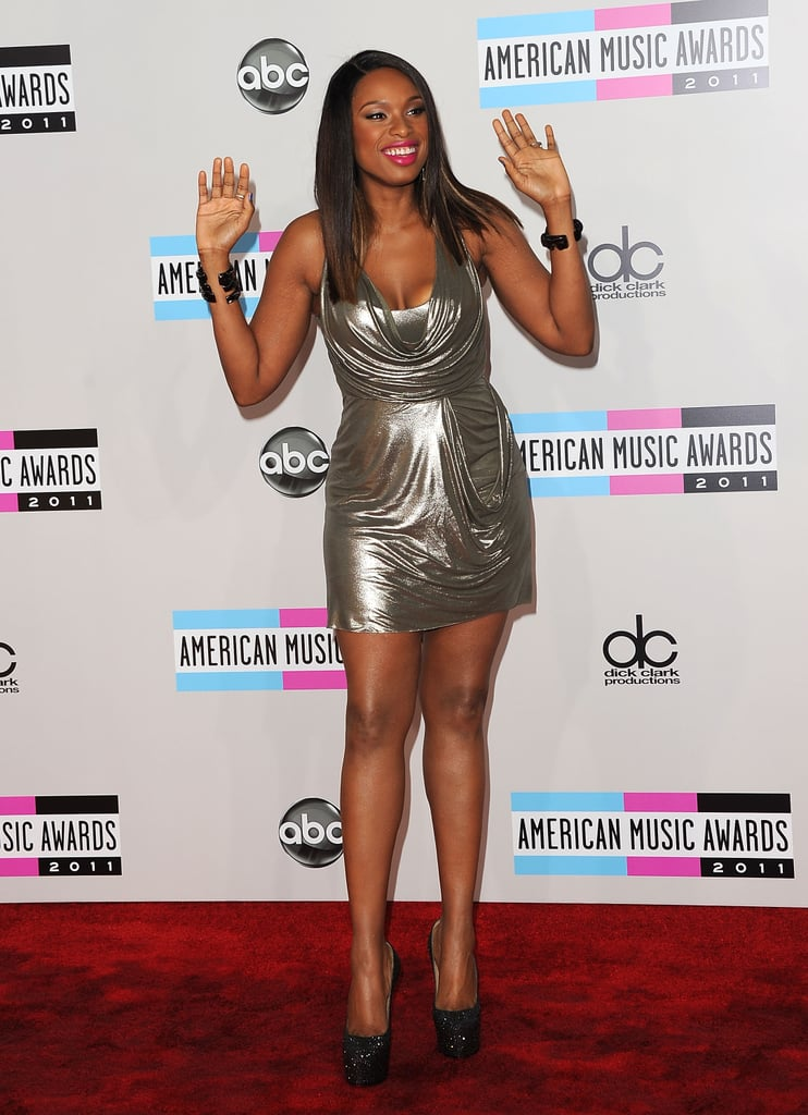 Jennifer Hudson waved to fans at the American Music Awards.