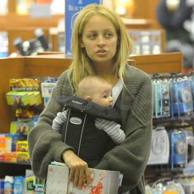 POPSUGAR EXCLUSIVE: Nicole Richie and Harlow Madden Shop at Airport
