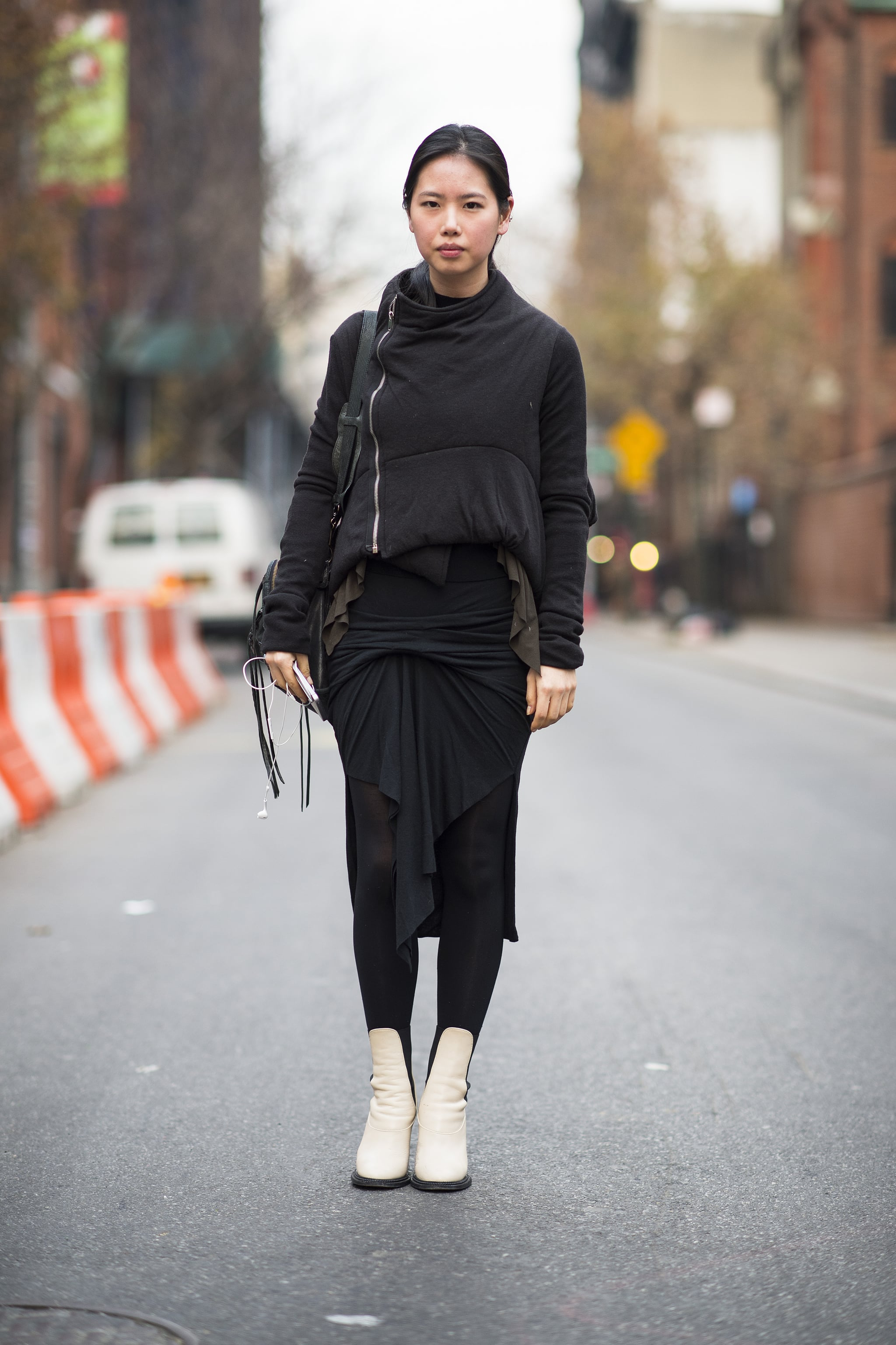 Bundling up can look downright artistic with the right draping.  Source: Le 21ème   Adam Katz Sinding