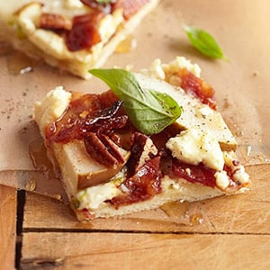 Sweet Bacon and Pear Pizza Recipe