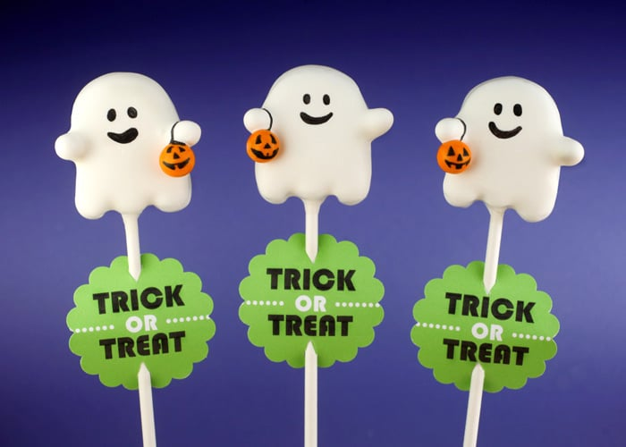 Trick-or-Treating Ghost Cake Pops