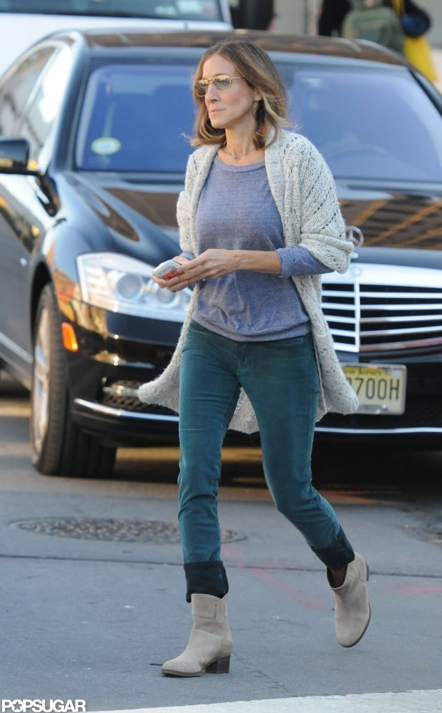 Sarah Jessica Parker wore skinny jeans and a cozy sweater.