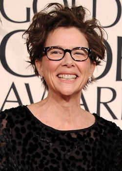 Annette Bening Wins the Golden Globe For Best Actress, Musical or Comedy 2011-01-16 18:05:06