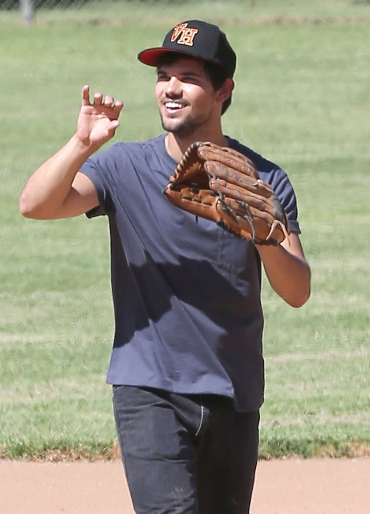 Prepare to Fall in Love With Taylor Lautner's Guns All Over Again