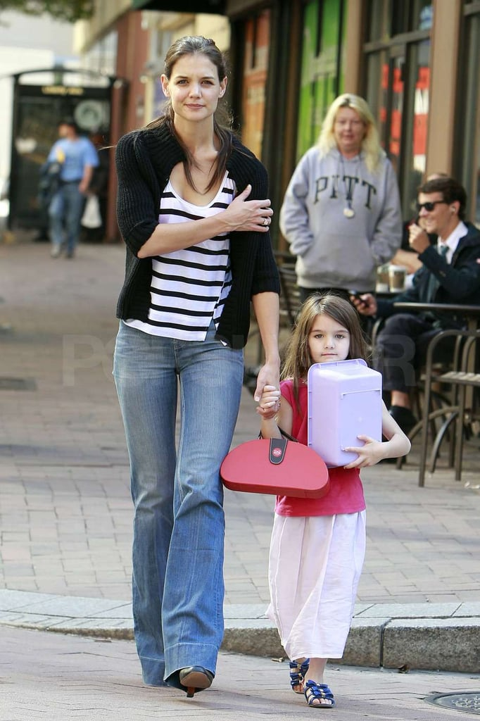 Suri Cruise and Katie Holmes are in Pennsylvania while tom Cruise shoots there.