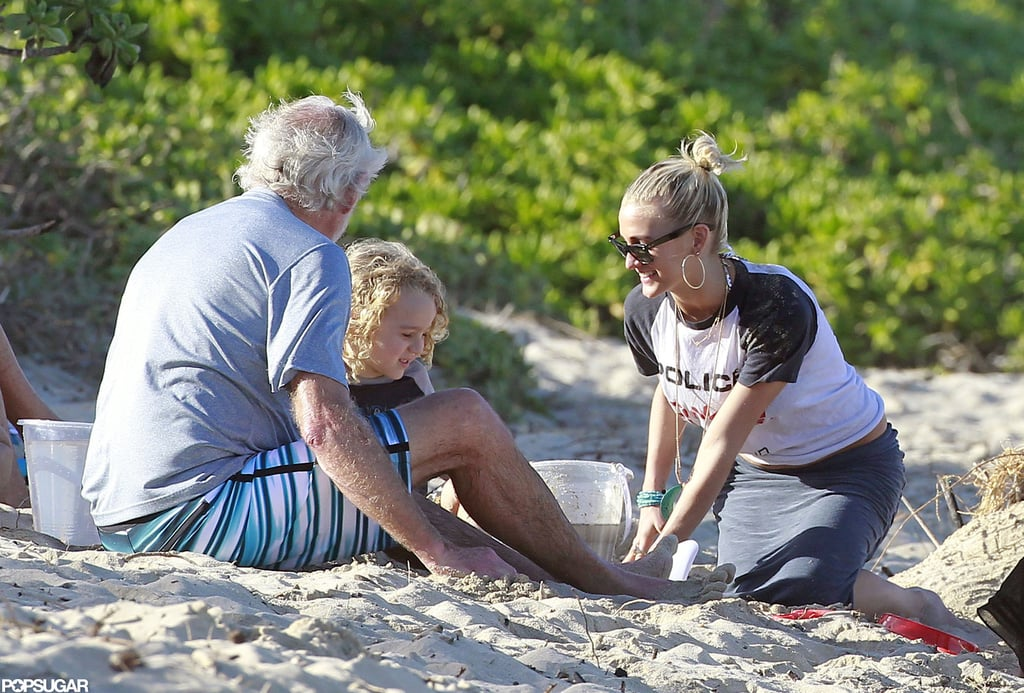 Ashlee Simpson and her son Bronx Wentz played in the sand.