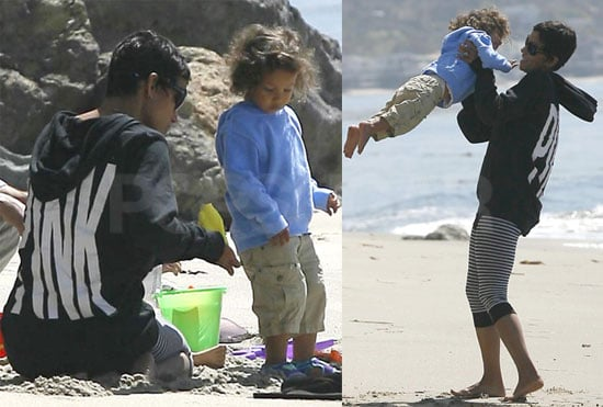Pictures of Newly Single Halle Berry Playing at the Beach in Malibu With Daughter Nahla Aubry