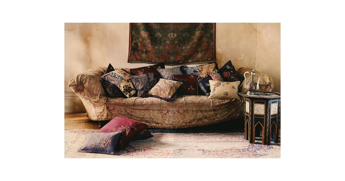How Many Throw Pillows On A Sectional Couch : How Many Throw Pillows Are on Your Sofa? POPSUGAR Home