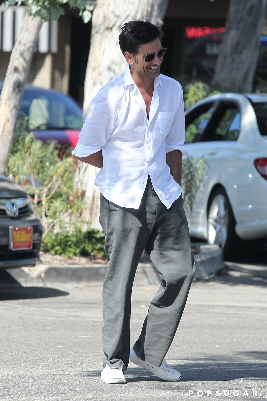 John Stamos left a restaurant in LA after eating lunch with Dave Coulier.