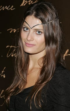Model Isabeli Fontana To Replace Natalia Vodianova as Face of Chanel Spring Beauty