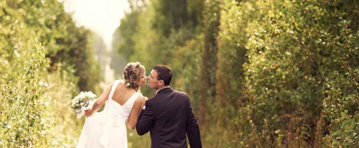 3 Wedding Gowns Perfect For an Outdoor Wedding