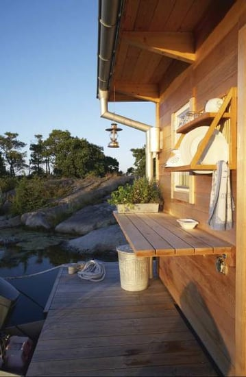 Summer Style: Take Up Residence on a Houseboat