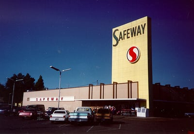 4-year-old Punished by a Security Guard for Eating Apricots at Safeway