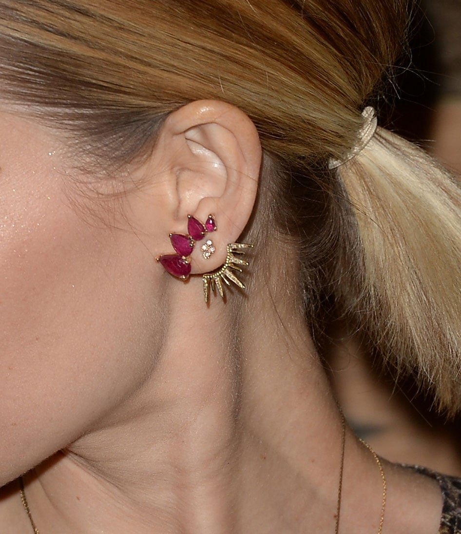 Upon closer inspection, we learned Kate Mara's genius jewelry styling trick. That wasn't one gorgeous earring, but three! She combined a stud, cuff, and ear jacket for a totally unique, delicate, and still statement-making accessory.