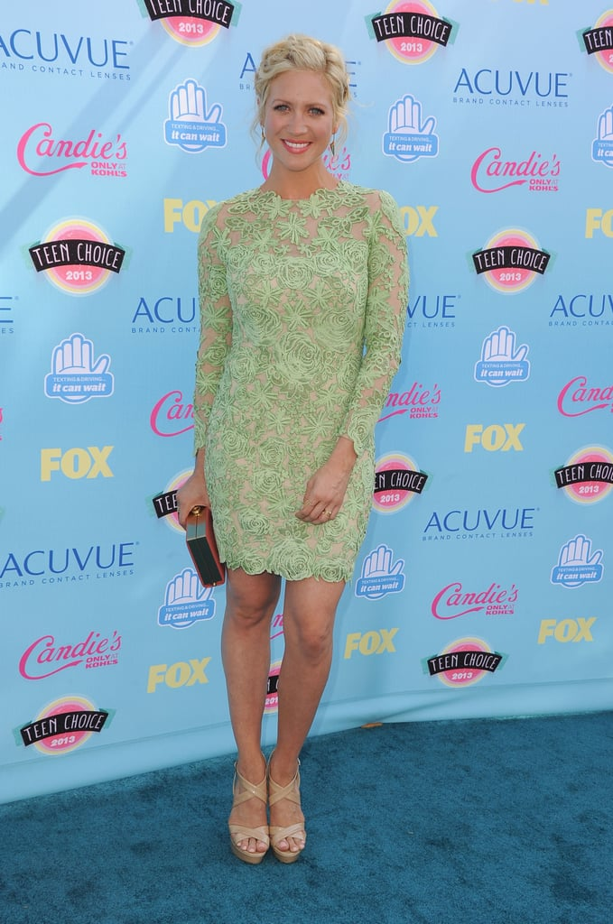 Brittany Snow attended the 2013 Teen Choice Awards while wearing Jennifer Fisher earrings.