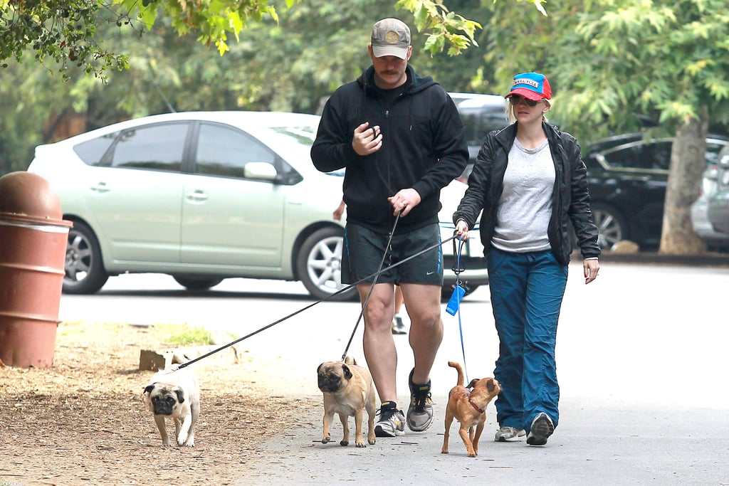 Chris Pratt and Anna Faris took an early morning walk together in LA.